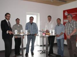 Eine Gruppe der Teilnehmer. v.l.: Christian Lory (SPD-Kreisvorsitzender), Sebastian Böse (Schongau), Klaus Böse (Schongau), Falk Sluyterman (Bürgermeisterkandidat Schongau), Karl-Heinz Gerbl (1.Bürgermeiser Schongau), Werner Schilcher (Peißenberg).