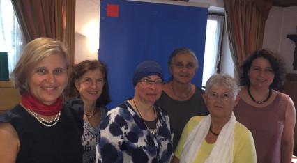 Dr. Simone Strohmayr und Ruth Müller mit Kommunalpolitikerinnen beim Frauenempfang in Raisting